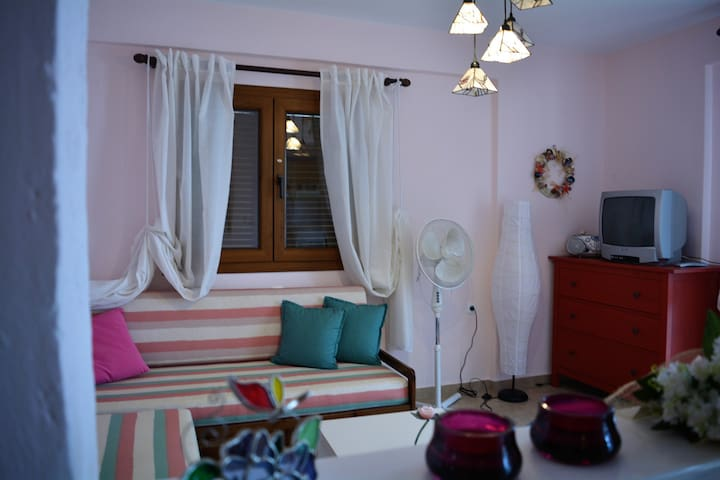 Olia View Apartment with a huge terrace sea view - Kriopigi - Byt