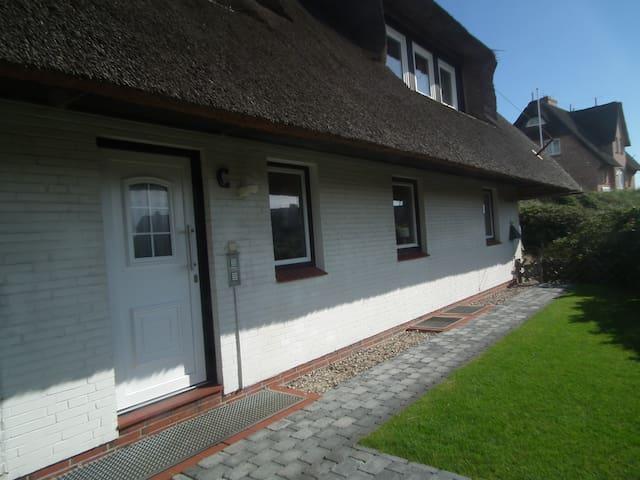 Gemütliche helle Wohnung unter Reet - Sylt - Hus