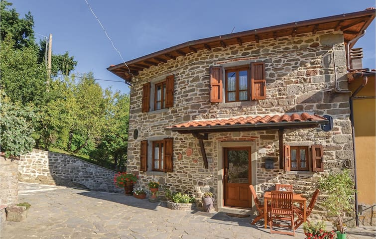 Semi-Detached with 3 bedrooms on 100m² in Castel Focognano (AR)