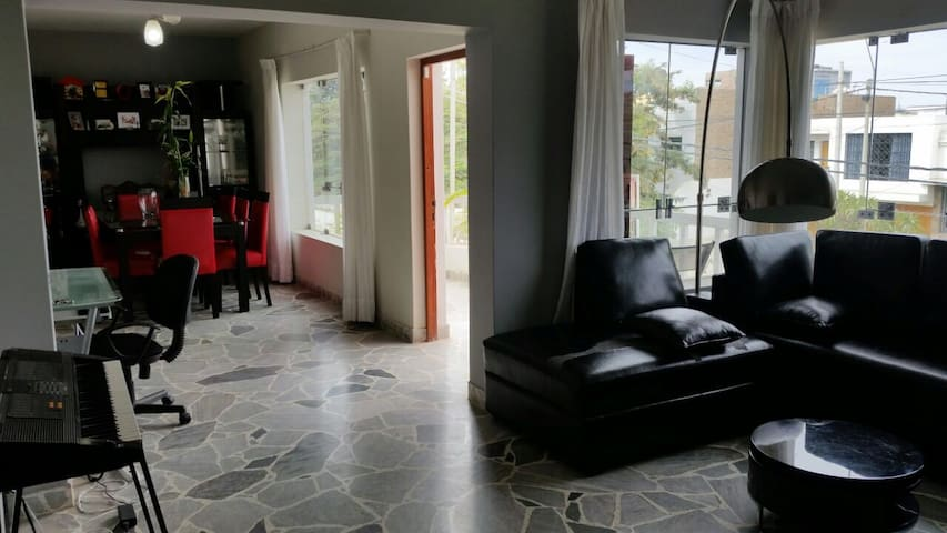 Modern, Central and spacious Apart. in Urb. Luren.