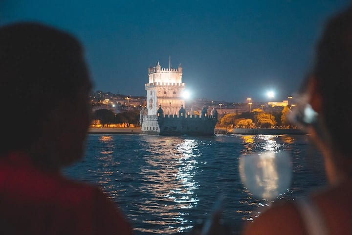 Amazing night view to Torre de Belém