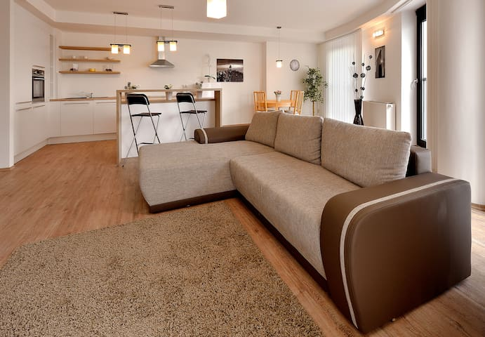 Deluxe 2 Bed apartment with excellent view - Bratislava - Huoneisto