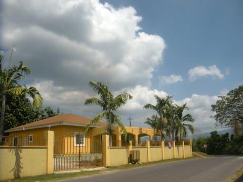 Chantilly Garden Jamaika