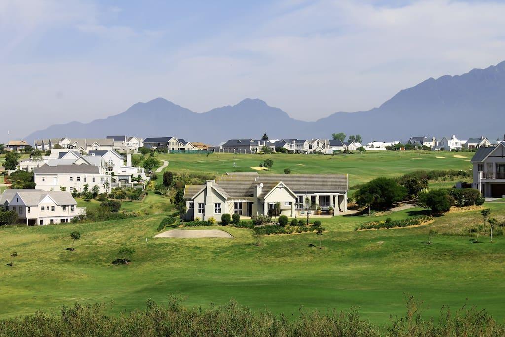 "Villa GolfersHeaven ""Great golf &much more""! Free WiFi"