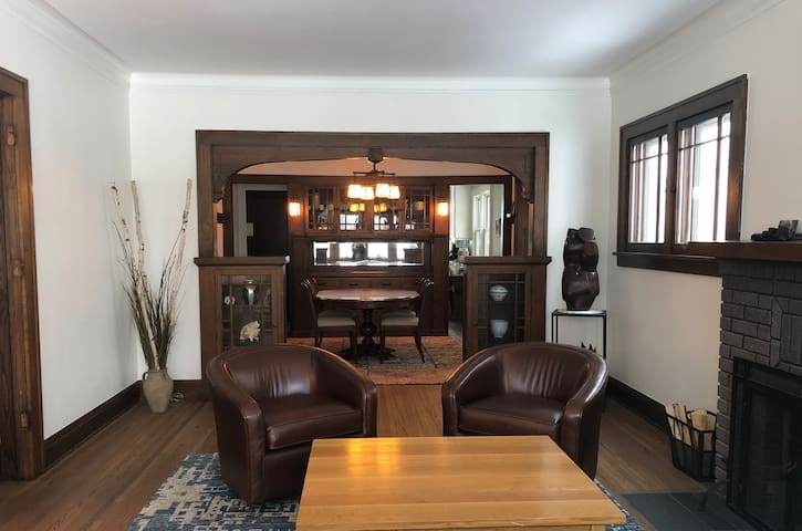 Spacious luxurious fully renovated craftsman home