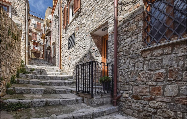 Holiday apartment with 1 bedroom on 60 m² in Caccamo (PA)