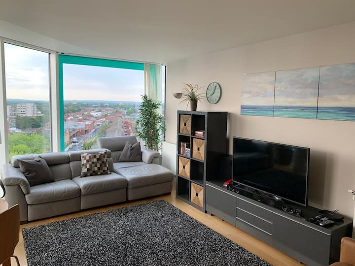 2 bed penthouse, Paddington 15min, Heathrow 6min