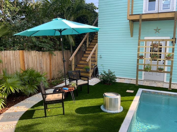 Key West Style Suite with Pool/Spa.