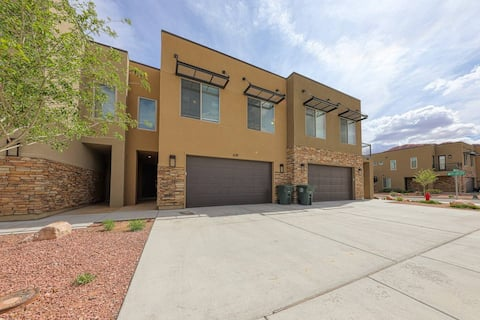 Townhome close to downtown and Arches!