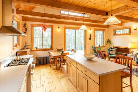 Sunny New Home at Long Pond