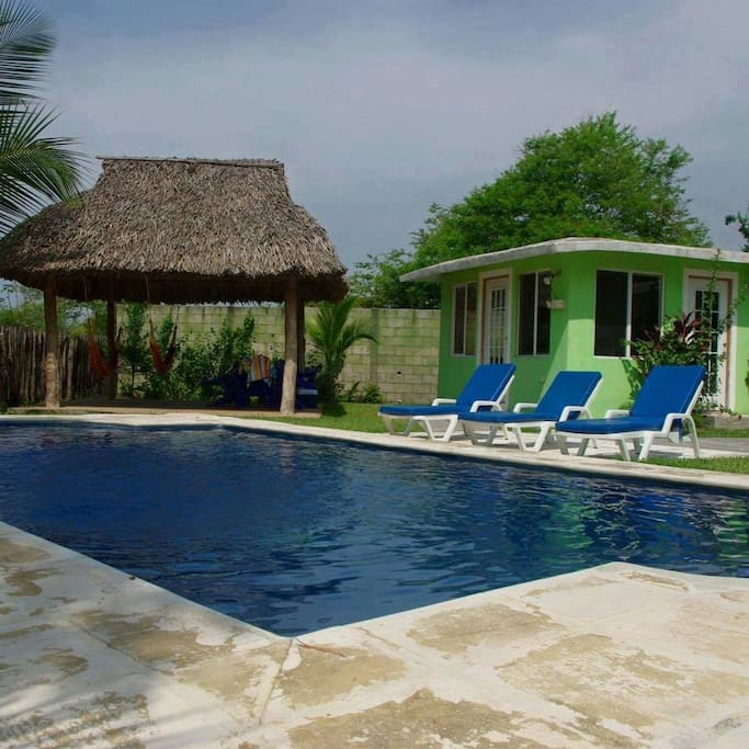 Piscina y rancho privado