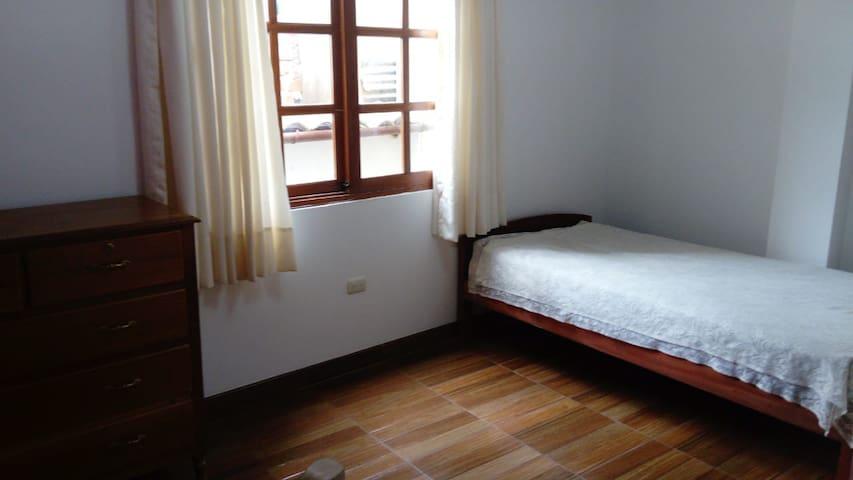 Cuarto privado / Private room with bathroom