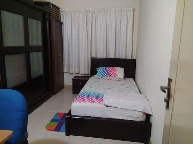 Single room for women near srirampai lrt/near klcc