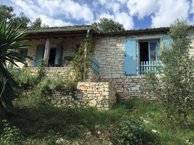 Milos Cottage - Kerkira - 一軒家