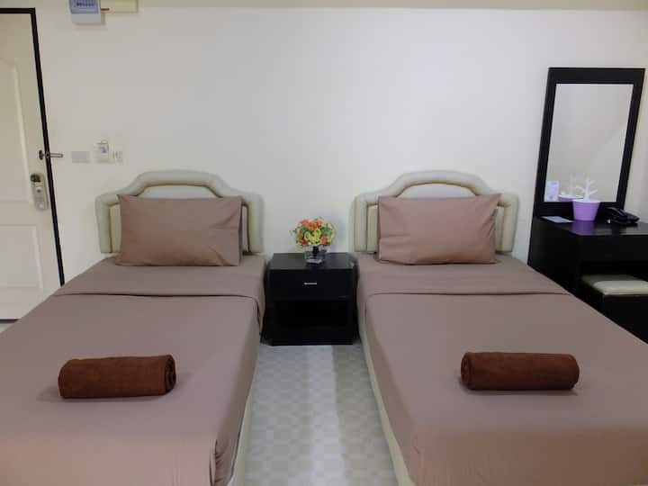 Standard Twin Bed Room2@The Lima Place
