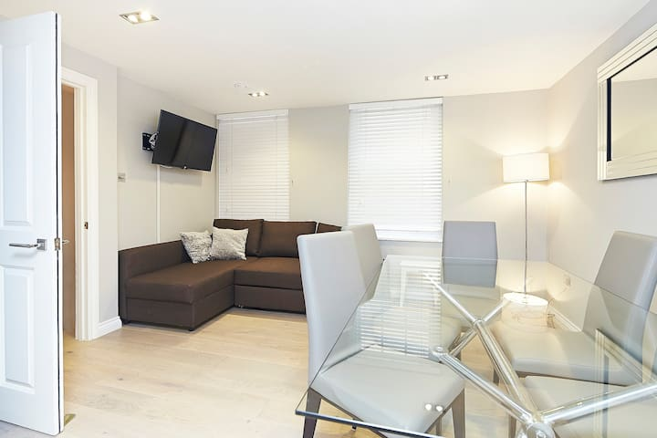 Stylish Two Bedroom Apartment in Covent Garden - London - Leilighet