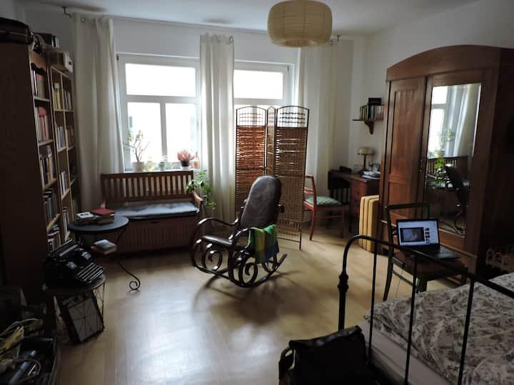 Gemütliches 19m2 Zimmer, 10 Minuten zum Zentrum