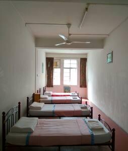Dorm Room (Adults Only) - 斯里巴加湾(Bandar Seri Begawan) - 旅舍