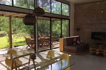 Casa 32 de la Mansa, Pinares, Punta del Este.