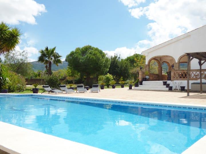 Villa La Encantada - Beautiful tranquil villa