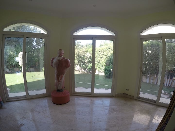 Rooms in safe compound, close to pyramids & malls