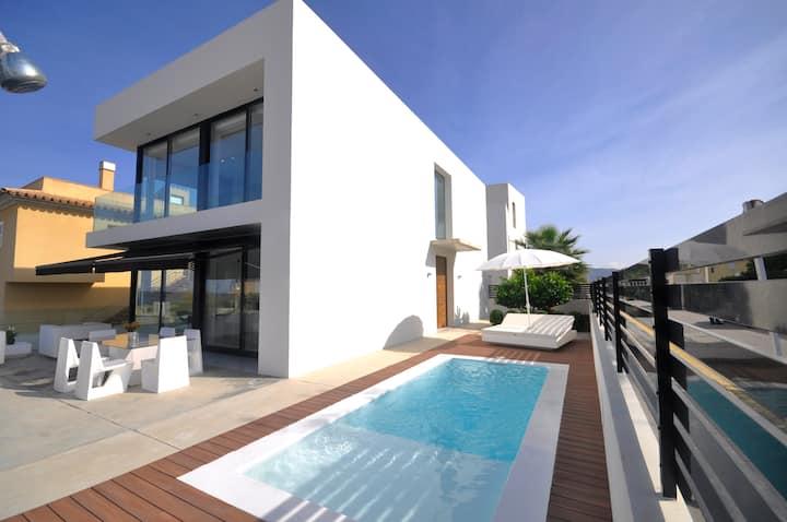 Villa with sea views in Son Serra de Marina