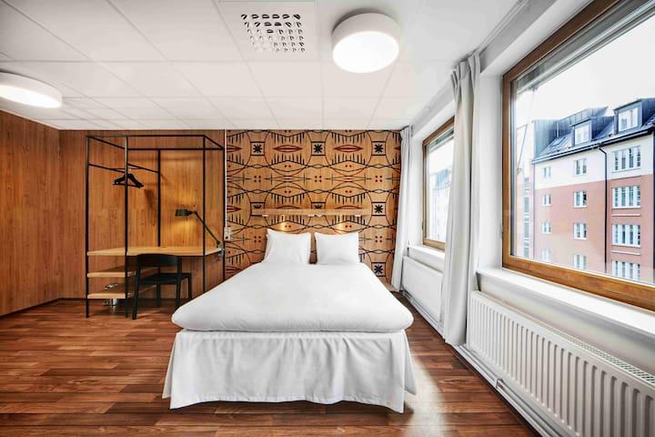 Generator - Premium Room