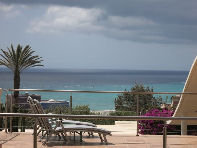 Luxury Villa Vista al Mar + Pool - Costa Calma - Hus