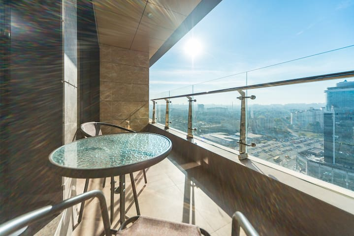 VIP Apartment with teracce at Obolon Residences