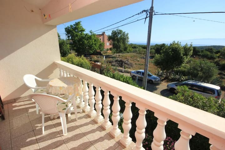Studio flat with terrace and sea view Punta križa, Cres (AS-383-b)