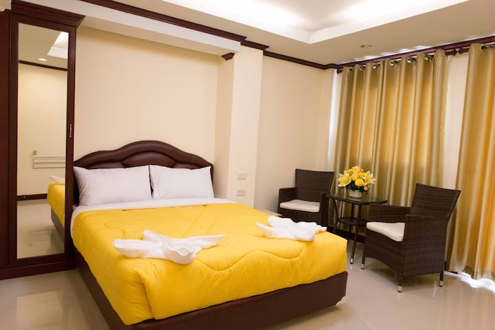 Jomtien Beach, Honey House 3 (Executive 1)