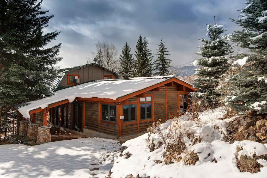 Deceptively large vacation rental for 15 guests, just 12 minutes from the Deer Valley Express gondola