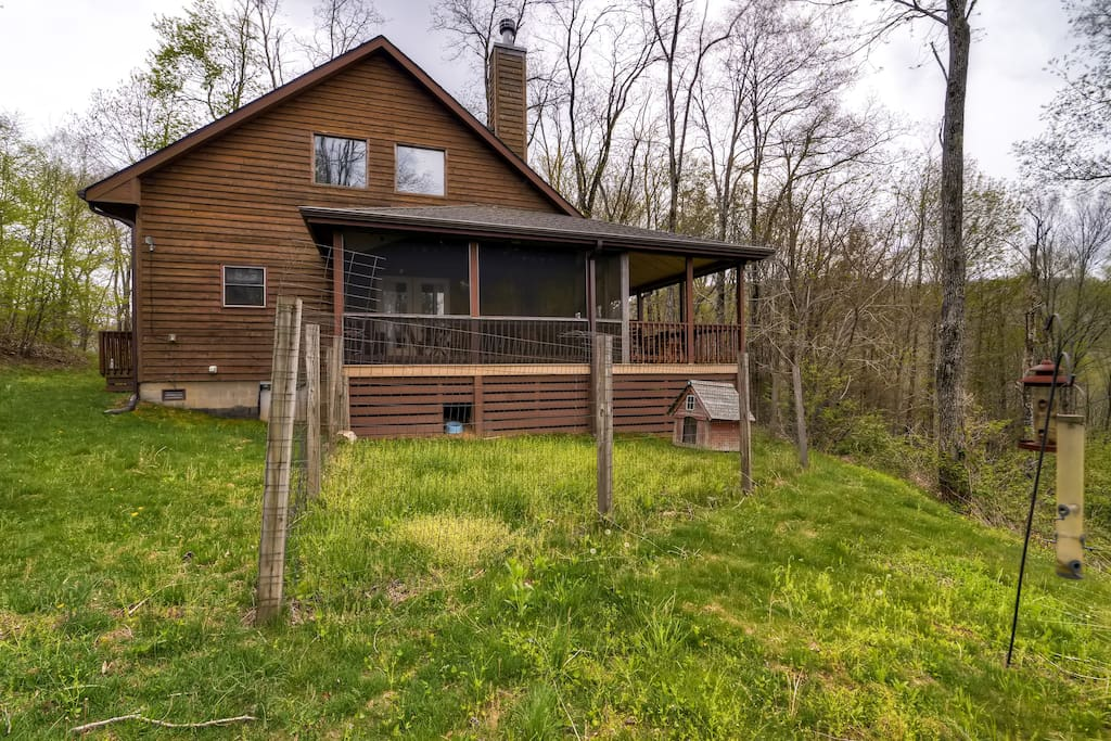 Escape to the Smoky Mountains in this Cashiers vacation rental house!