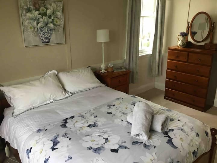 Araluen Historic House Bed and Breakfast.