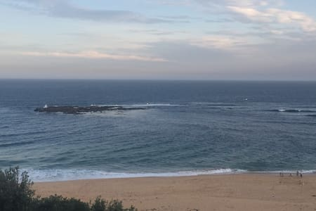 Close to beach and shops - Forresters Beach