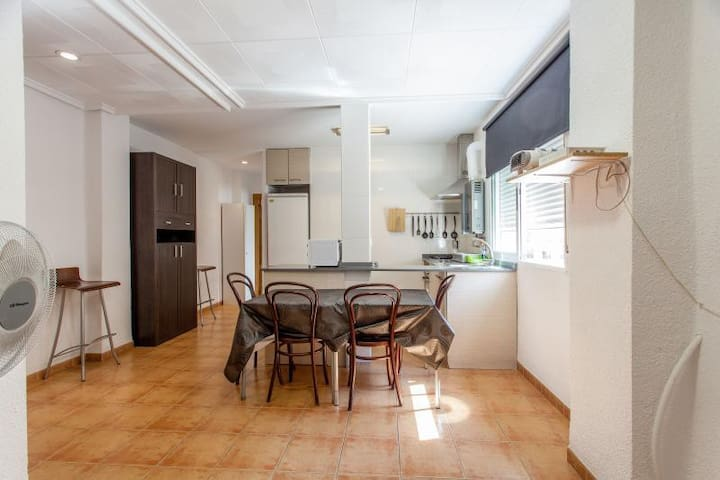NICE ROOM FOR RENT PRIVATE - Valencia - Apartment