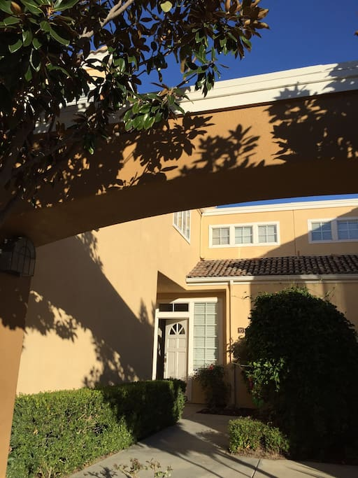 aliso viejo chat rooms Alize at aliso viejo apartment homes offers a variety of amenities and is conveniently located in aliso town center aliso viejo,  office to chat with our .