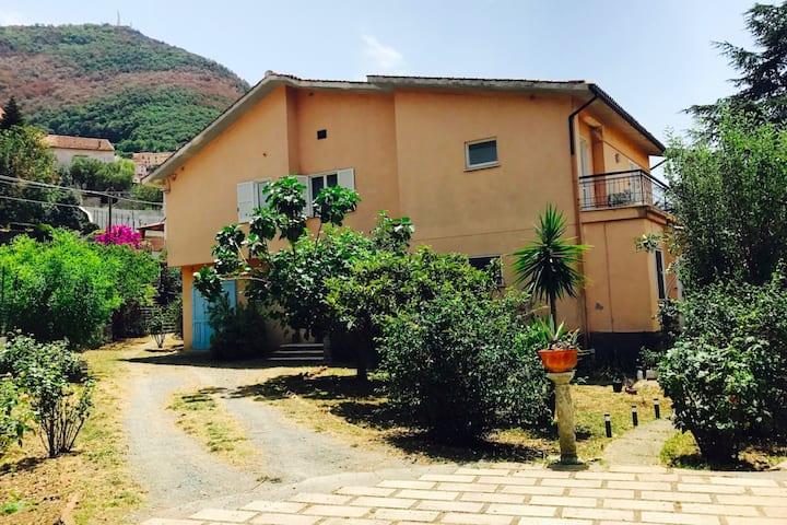 Casa Vacanza - Parcheggio in loco .
