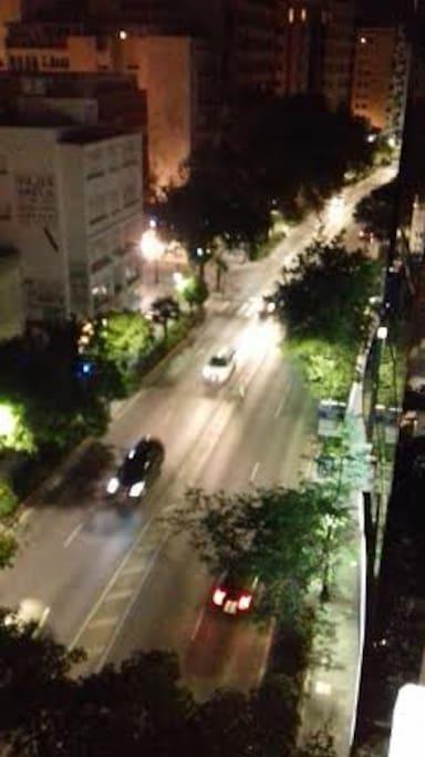 centro de marbella de noche