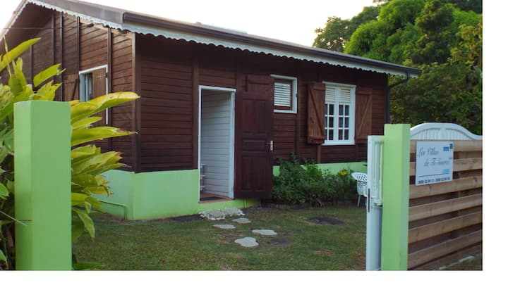 Villa de 2 habitaciones en Pointe noire, con magnificas vistas al mar, piscina privada, jardín cerrado - a 3 km de la playa
