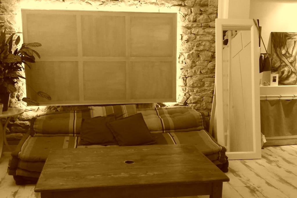 Salon avec canapé futon lit 1 ou 2 places