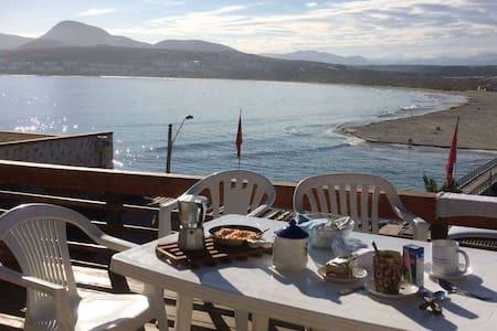 Casa en Tongoy, frente a Playa Socos. Gran vista.