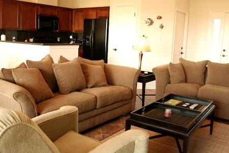 2 BR/2 BA Golf Villa located at SPI Golf Club - Laguna Vista - Huis