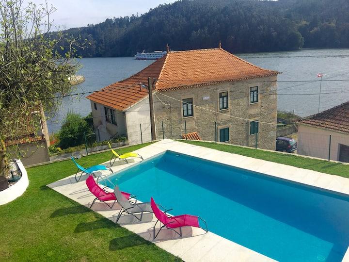 Villa piscine vue Douro/ 15mn Porto, climatisée