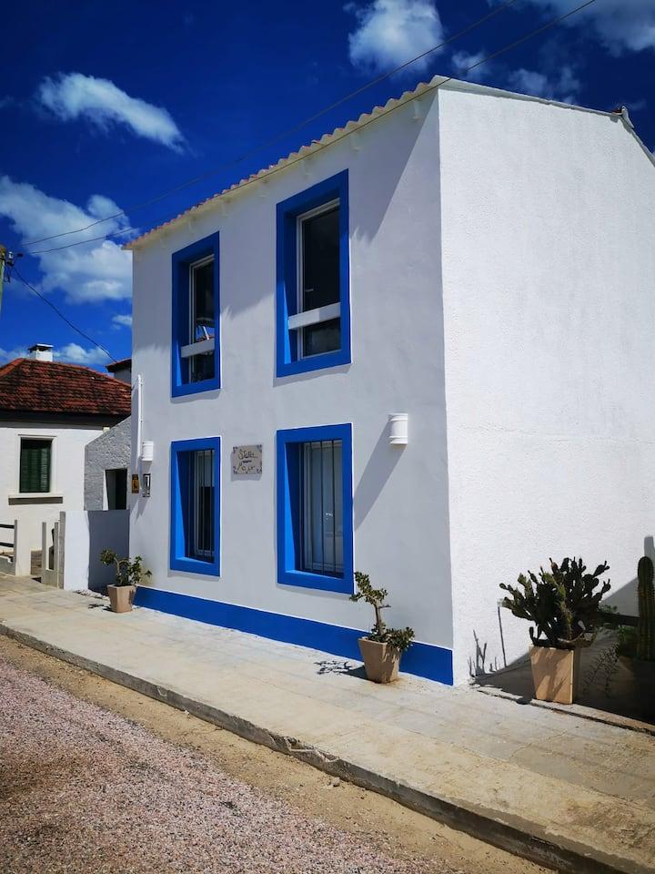 Flamante casa recién reciclada con vista al mar