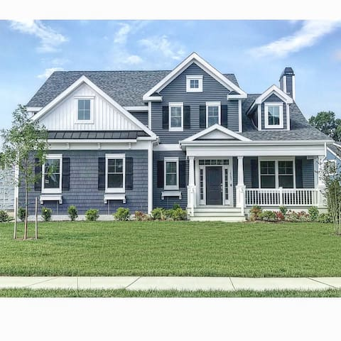 New COASTAL CLUB RESORT Beach House in LEWES DE 4 BR, 3.5 Baths, 2 MBR Suites, Sleeps 10, 4,000 sq ft: Oak Bluffs Mode w Best Resort Amenities in the Area! Just 5-7 miles to Lewes Beach, Cape Henlopen State Park & Rehoboth Beach +All The Area Has To Offer