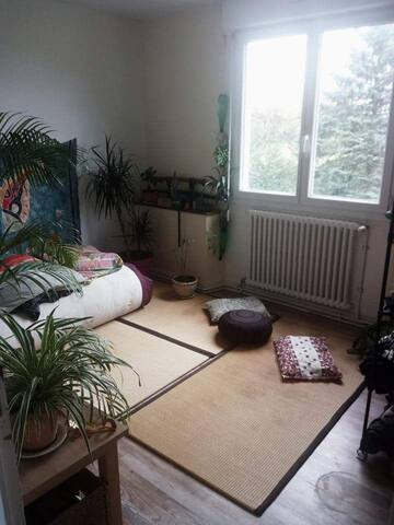 Jolie chambre privée // Pretty private bedroom
