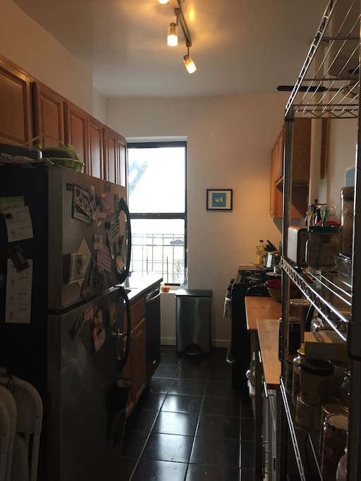 generous kitchen, filled with all sorts of things you need to make your culinary dreams come true. Vegetarian only please!