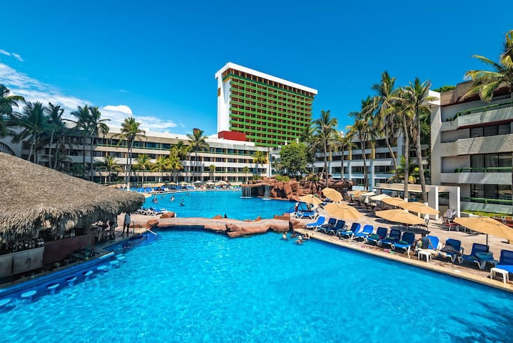 LUXURY RESORT ✦✦ Centrally Located in Mazatlan ✦✦