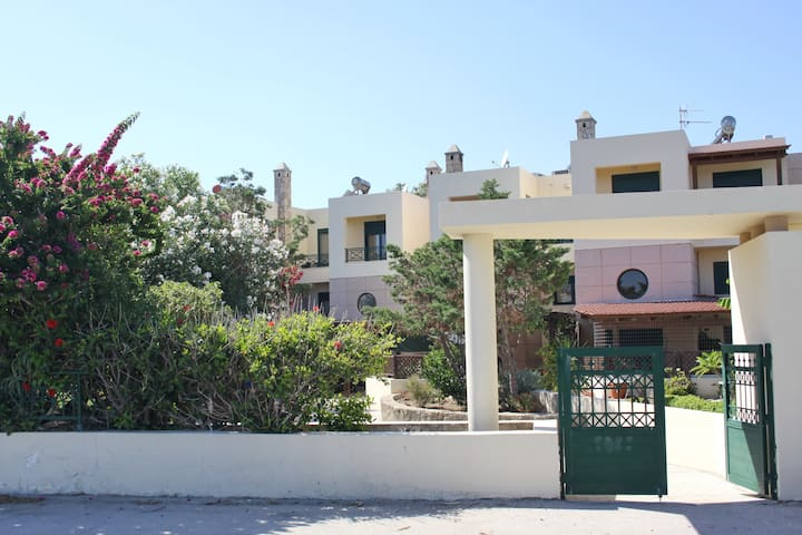 Athina 3BR Beach Villa in Kiotari. #1 Superhost!